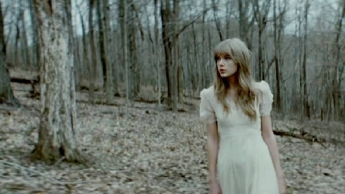 Taylor-Swift-Safe-and-Sound
