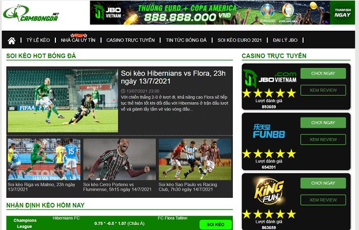 Người hâm mộ bóng đá có thể theo dõi tin tức hoặc soi kèo bóng đá trên CamBongDa